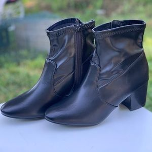 Women's Time and Tru Fashion Mid Black Boot New